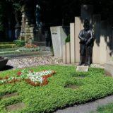 Diese Grabstelle pflegen die Roten Funken.