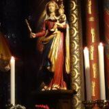 Maria mit dem kleinen Jesus.